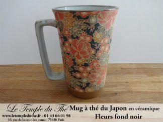 Long mug japonais en céramique 35 cl fleurs fond noir