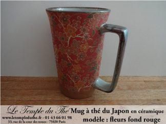 Long mug à thé du Japon en céramique 35 cl fleurs fond rouge