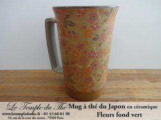 Long mug à thé du Japon en céramique 35 cl fleurs fond vert