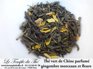 Thé vert de Chine aux morceaux de gingembre et fleurs