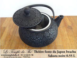 Théière en fonte du Japon IWACHU modèle Sakura noire